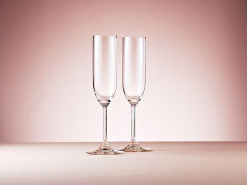 Stemware, Champagne stemware, Glass, Drinkware, Wine glass, Drink, Champagne, Tableware, Transparent material, Wine,
