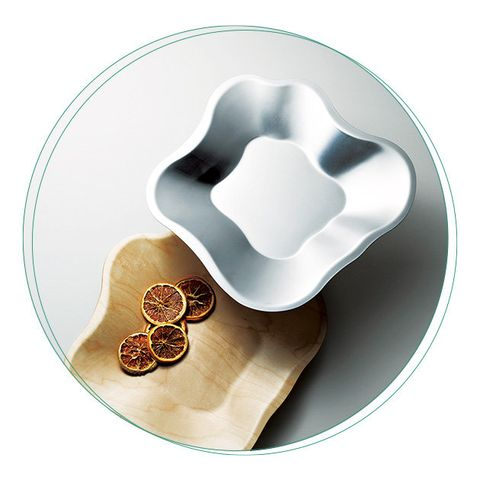 Plate, Dishware, Cookie cutter, Tableware, Serveware, Heart, Bowl, Saucer, Kitchen utensil, Platter,