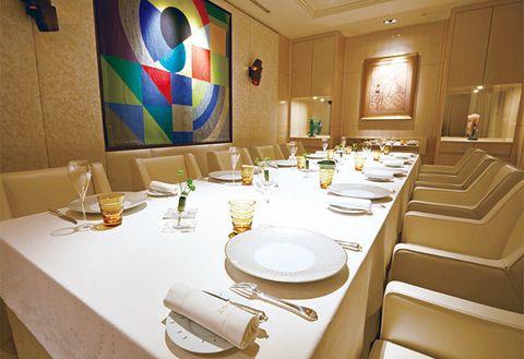 Room, Property, Interior design, Table, Restaurant, Dining room, Building, Furniture, Real estate, Conference hall,