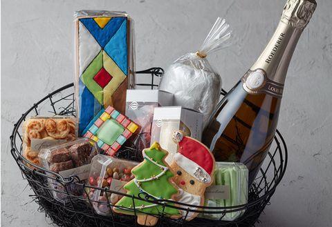 Basket, Present, Gift basket, Hamper, Mishloach manot, Ritual, Home accessories, Storage basket, Food, Ceremony,
