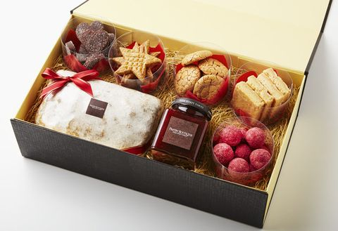 Food, Honmei choco, Hamper, Cuisine, Present, Dish, Gift basket, Basket, Petit four, Box,