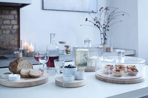 Table, Room, Interior design, Brunch, Furniture, Food, Tableware, Dish, Breakfast, Serveware,