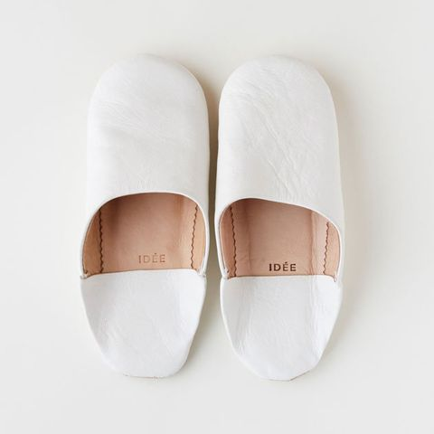 Footwear, White, Shoe, Slipper, Mary jane, Beige, Slingback, Espadrille,
