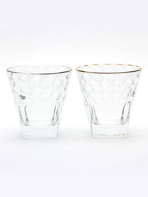 Drinkware, Glass, Serveware, Barware, Liquid, Tableware, Transparent material, Dishware, Still life photography, Old fashioned glass,