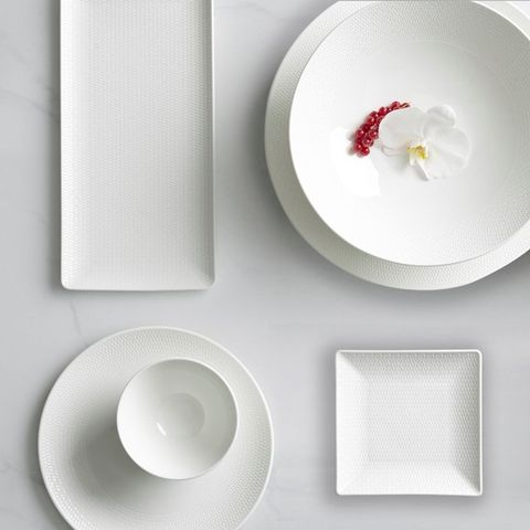 White, Dishware, Plate, Circle, Tableware, Porcelain, Serveware, Dinnerware set, Ceiling, Platter,