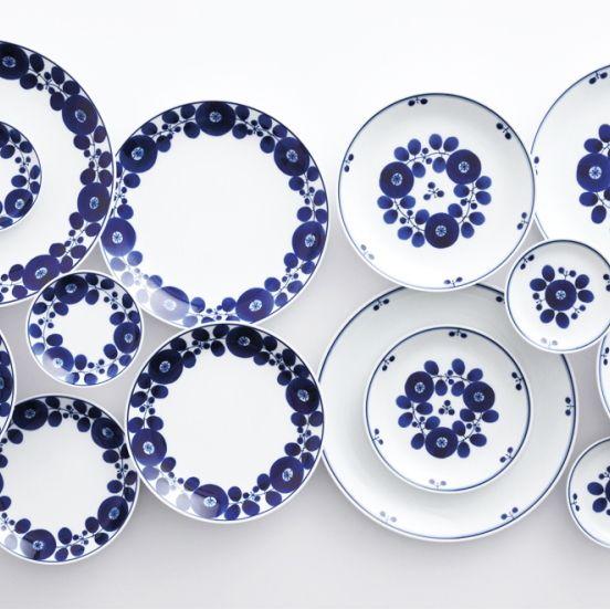 Cobalt blue, Blue, Porcelain, Dishware, Blue and white porcelain, Plate, Purple, Violet, Tableware, Dinnerware set,