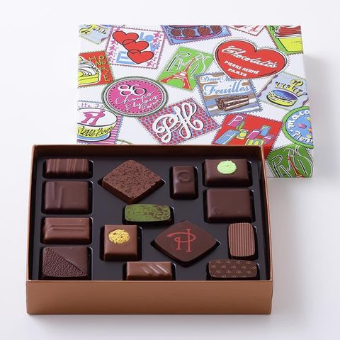 Giri choco, Honmei choco, Chocolate, Chocolate bar, Food, Confectionery, Cuisine, Sweetness, Chocolate letter, Petit four,