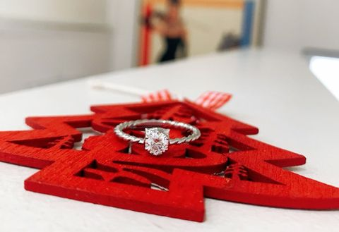 Red, Fashion accessory, Ribbon, Hair accessory, Tableware,
