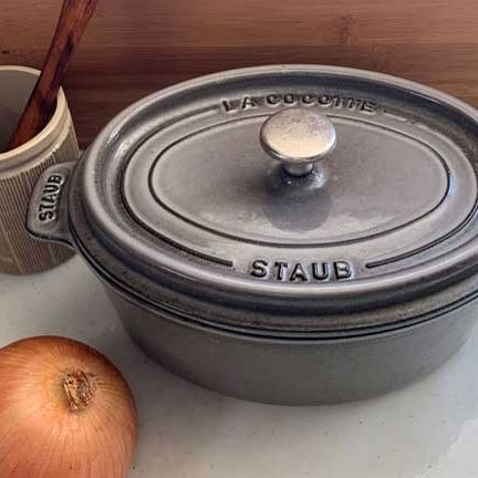 Lid, Cookware and bakeware, Crock, Tableware, Dutch oven, Pottery, Metal,