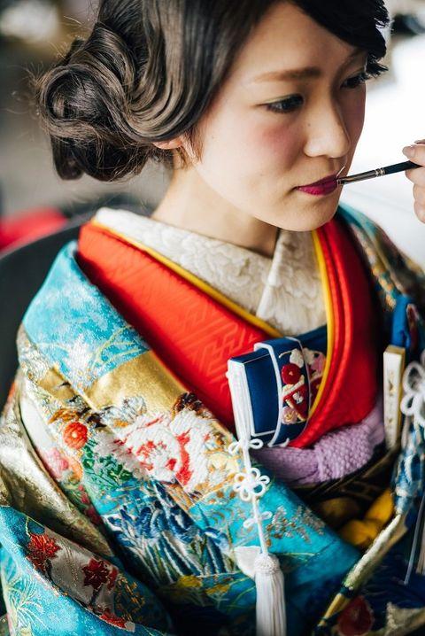 Hair, Kimono, Hairstyle, Costume, Neck, Photography, Black hair, Child,