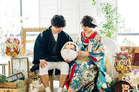 People, Yellow, Tradition, Costume, Kimono, Room, Event, Ceremony, Family, Flower,