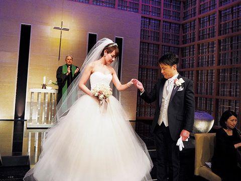 Clothing, Bridal clothing, Event, Trousers, Coat, Dress, Photograph, Gown, Bridal veil, Suit,