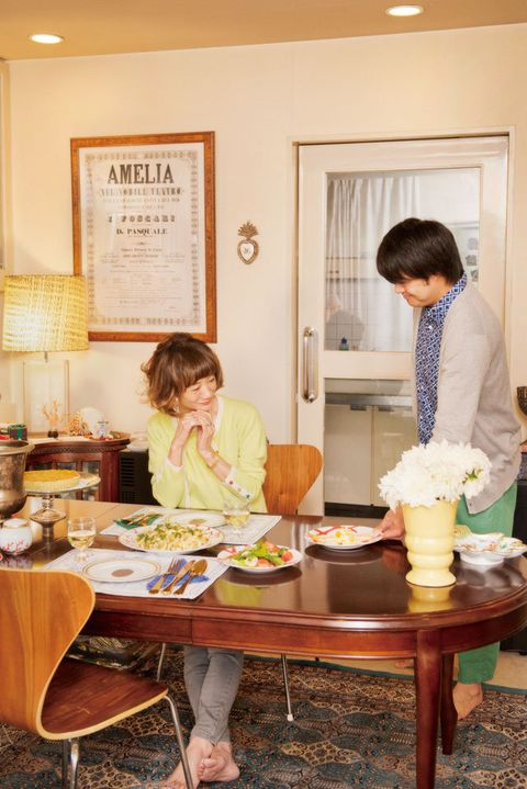 Lighting, Furniture, Table, Room, Interior design, Interior design, Picture frame, Lamp, Dining room, Serveware,