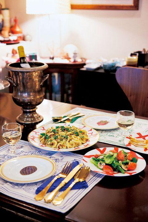 Meal, Brunch, Food, Dish, Cuisine, Breakfast, Table, Supper, Room, À la carte food,