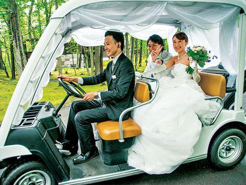 Motor vehicle, Automotive design, Vehicle, Land vehicle, Photograph, Fender, Classic, Bridal clothing, Bride, Dress,