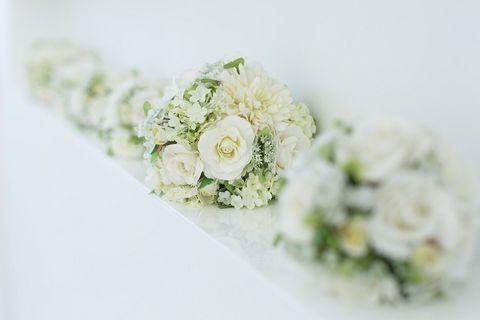 Petal, Bouquet, Flower, White, Cut flowers, Flower Arranging, Flowering plant, Floral design, Rose family, Artificial flower,