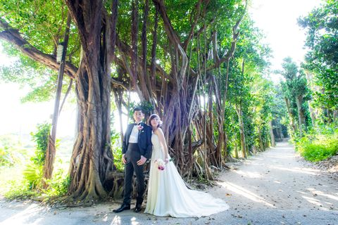 Clothing, Dress, Green, Coat, Trousers, Veil, Bridal clothing, Photograph, Outerwear, Bridal veil,