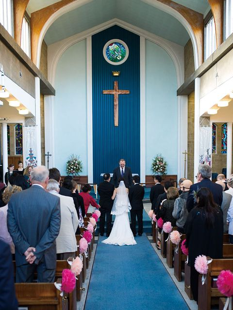 Aisle, Ceremony, Event, Chapel, Place of worship, Religious institute, Building, Church, Veil, Parish,