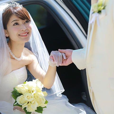 Bride, Bridal veil, Veil, Photograph, Bridal accessory, Dress, Wedding dress, Gown, Bridal clothing, Wedding,