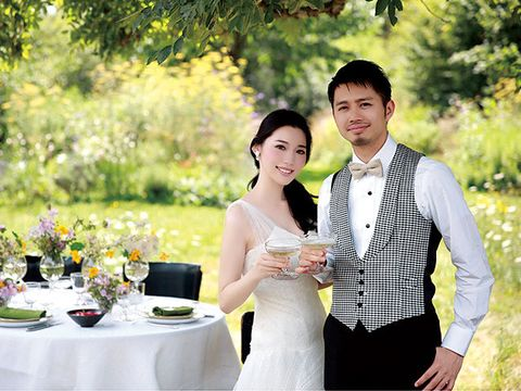 Clothing, Dress, Tablecloth, Shirt, Photograph, Happy, Bridal clothing, People in nature, Wedding dress, Coat,