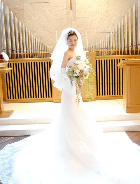 Bride, Wedding dress, Gown, Dress, Photograph, White, Clothing, Bridal clothing, Shoulder, Veil,