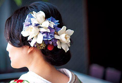 Hair, Hairstyle, Headpiece, Beauty, Hair accessory, Black hair, Flower, Petal, Plant, Fashion accessory,