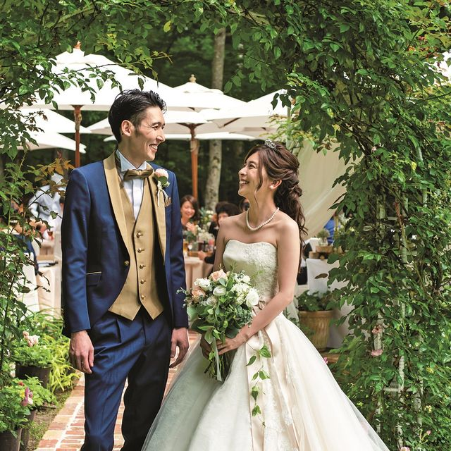 Bride, Photograph, Wedding dress, Gown, Dress, Bridal clothing, Ceremony, Wedding, Bridal accessory, Marriage,