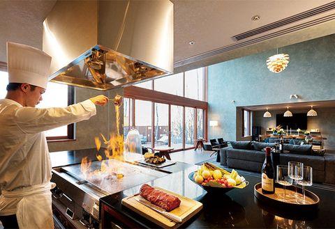 Room, Interior design, Brunch, Food, Meal, Dish, Ceiling, Cuisine, À la carte food, Chef,