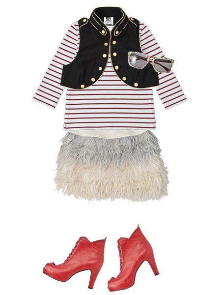 Sleeve, Collar, Textile, Costume accessory, Carmine, Fashion, Fur, Fashion design, Natural material, Sweater,