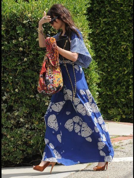 Clothing, Textile, Bag, Street fashion, Fashion, Pattern, Electric blue, Luggage and bags, Sandal, Foot,