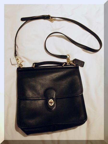 Product, Brown, Bag, Style, Fashion, Shoulder bag, Black, Leather, Grey, Metal,