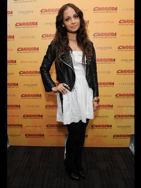 Sleeve, Style, Fashion model, Street fashion, Long hair, High heels, Boot, Knee-high boot, Brown hair, Layered hair,