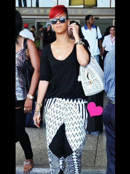 Eyewear, Vision care, Glasses, Sunglasses, Outerwear, White, Fashion accessory, Style, Street fashion, Bag,
