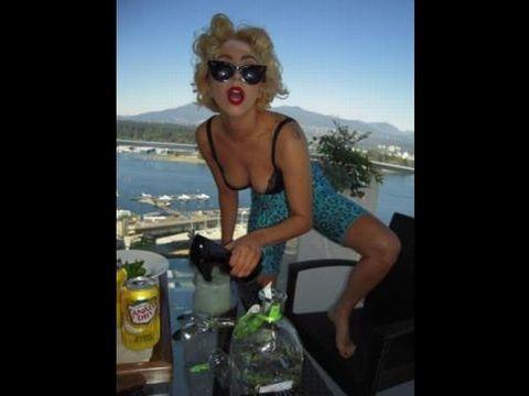 Goggles, Liquid, Sunglasses, Tourism, Bottle, Fluid, Summer, Vacation, Travel, Drink,