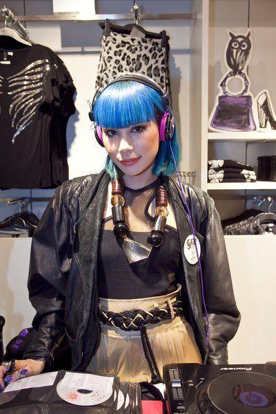 Headgear, Costume accessory, Costume, Costume design, Hair accessory, Cosplay, Wig, Shelf, Headpiece, Plate,