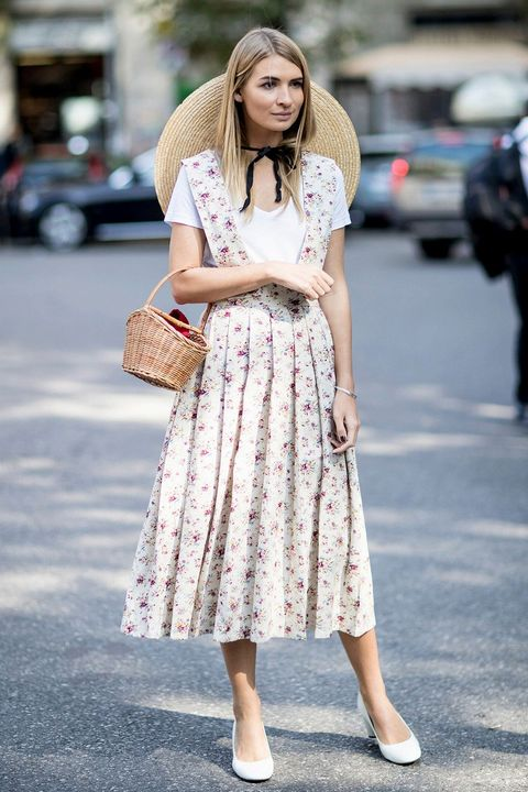 Clothing, White, Street fashion, Photograph, Fashion, Dress, Snapshot, Footwear, Shoulder, Beige,
