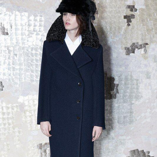 Clothing, Sleeve, Collar, Coat, Textile, Outerwear, Style, Overcoat, Street fashion, Blazer,