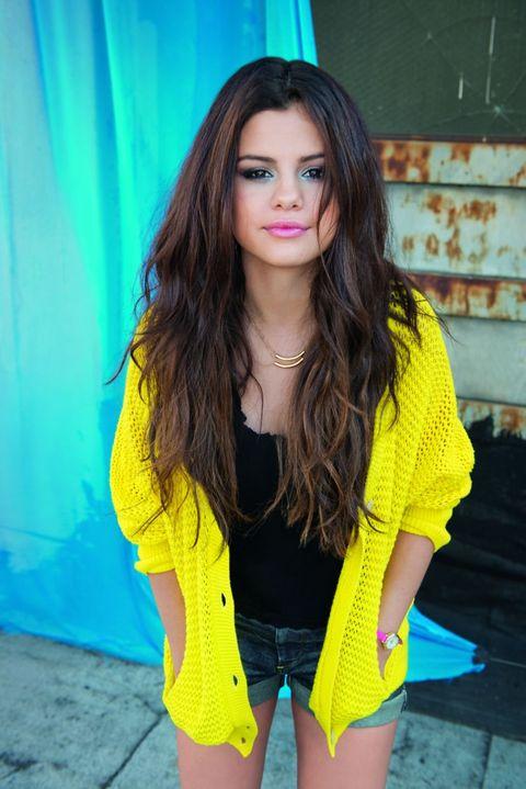 Blue, Yellow, Sleeve, Shoulder, jean short, Denim, Style, Beauty, Black hair, Street fashion,