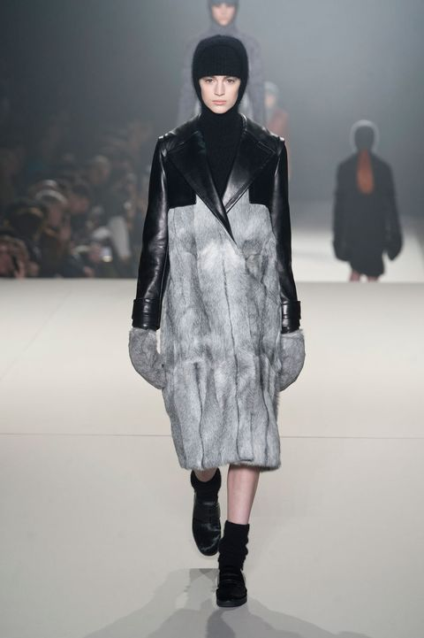 Clothing, Sleeve, Fashion show, Shoulder, Textile, Runway, Joint, Outerwear, Winter, Fashion model,