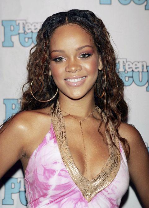 Clothing, Face, Lip, Mouth, Hairstyle, Forehead, Eyebrow, Eyelash, Style, Beauty,