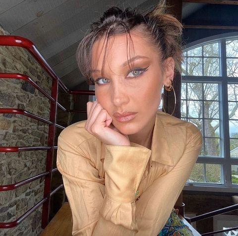 Window, Eyelash, Daylighting, Eye liner, Body piercing, Makeover, Eye shadow, Model, Photo shoot, Portrait photography,