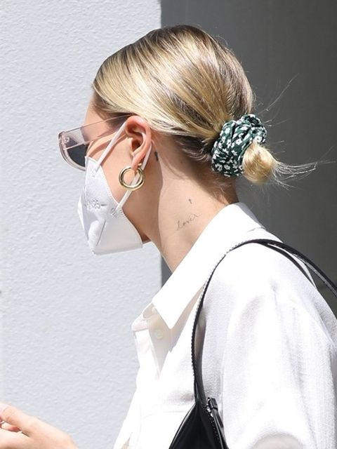 Ear, Earrings, Hairstyle, Style, Hair accessory, Bridal accessory, Long hair, Blond, Nail, Headpiece,