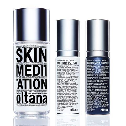 Product, Water, Beauty, Liquid, Perfume, Spray, Material property, Silver, Deodorant, Fluid,