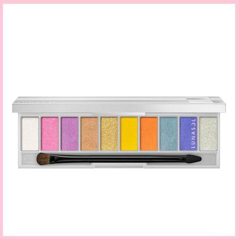 Eye shadow, Eye, Organ, Human body, Cosmetics, Rectangle, Tints and shades,