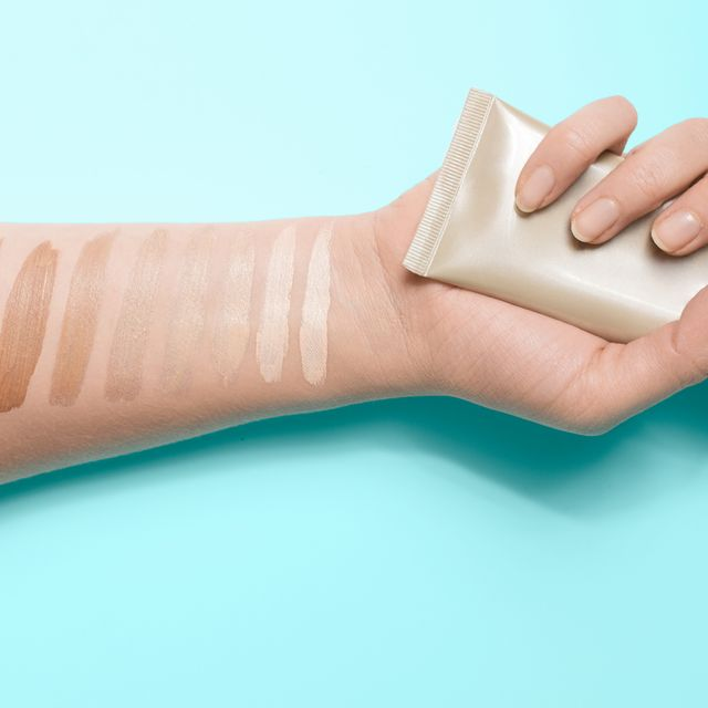 Skin, Finger, Hand, Arm, Wrist, Nail, Thumb, Joint, Beige, Material property,