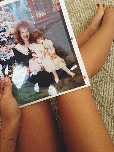 Leg, Thigh, Human leg, Human body, Abdomen, Selfie, Photography, Waist,