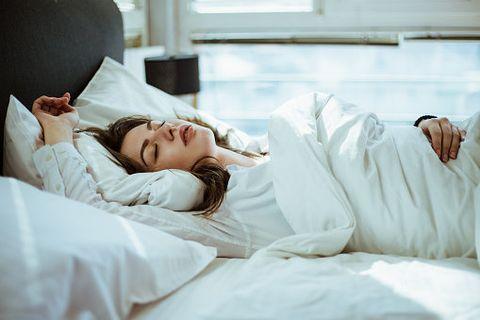 Bed, Comfort, Bed sheet, Sleep, Bedding, Room, Nap, Furniture, Mattress, Pillow,