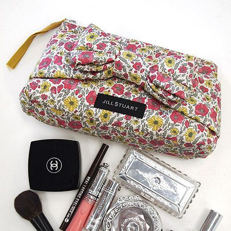 Purple, Bag, Wallet, Material property, Lipstick, Cosmetics, Stationery, Silver, Coin purse, Glitter,