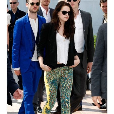 Clothing, Eyewear, Footwear, Vision care, Leg, Glasses, Coat, Trousers, Sunglasses, Shirt,