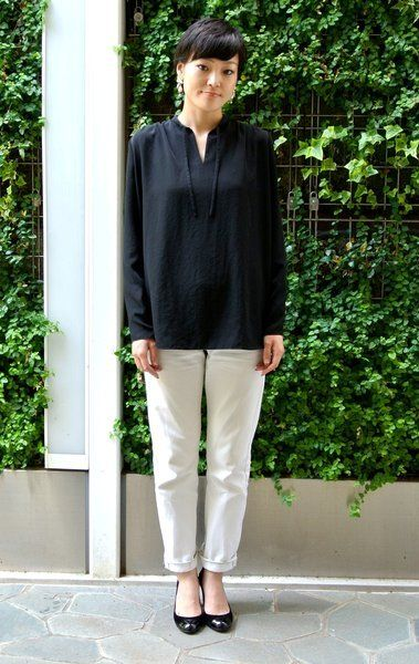 Clothing, Sleeve, Green, Shoulder, Joint, Collar, Style, Street fashion, Knee, Spring,